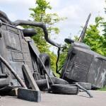 Fernando Sánchez Castillo: Barrikade, Utrecht, Bronzeskulptur